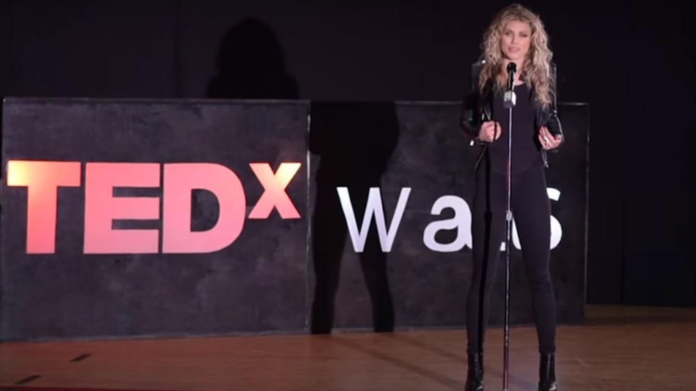 2017年にTEDトークを行うAnnaLynneMcCord