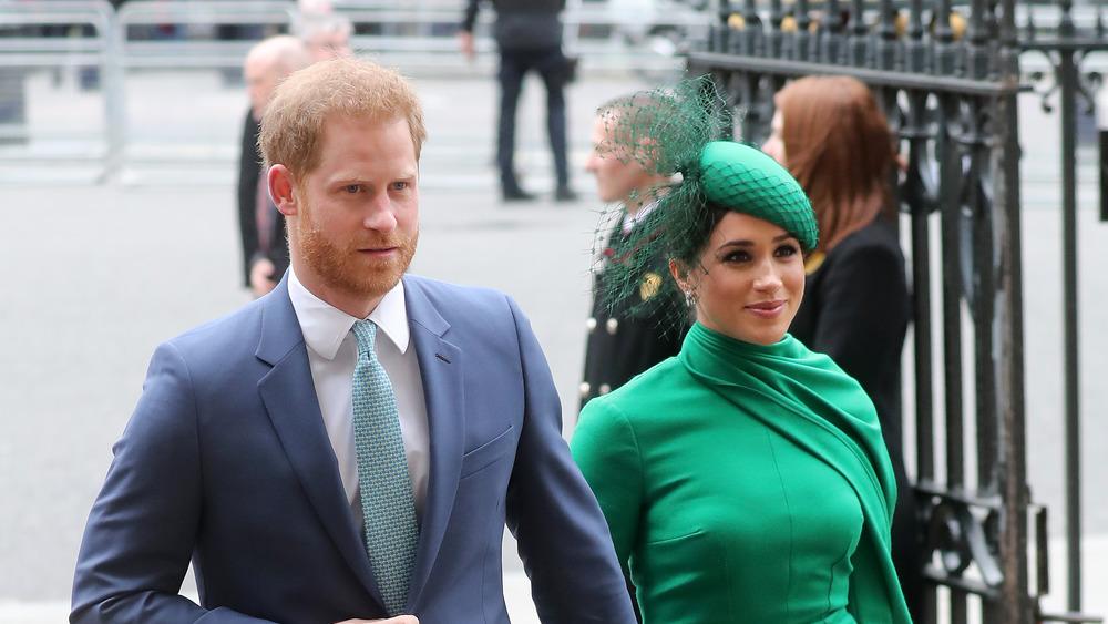 メーガン・マークルとハリー王子が歩く