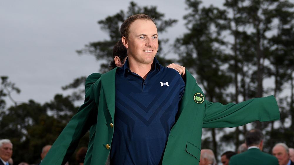 緑のマスターズジャケットを着たジョーダン・スピース