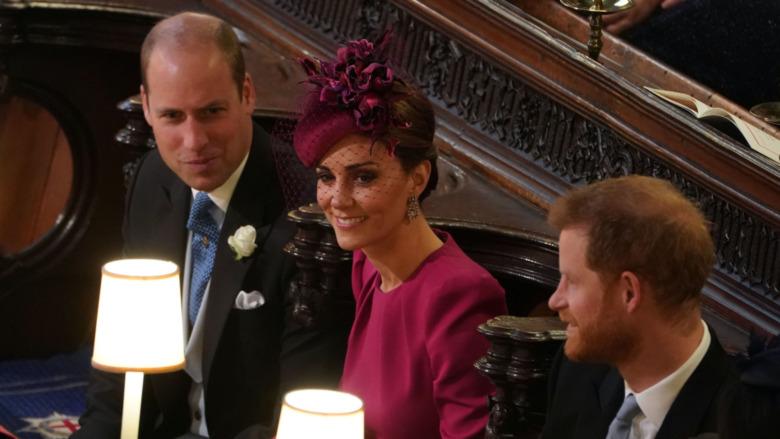 ウィリアム王子、ケイトミドルトン、ハリー王子が話している