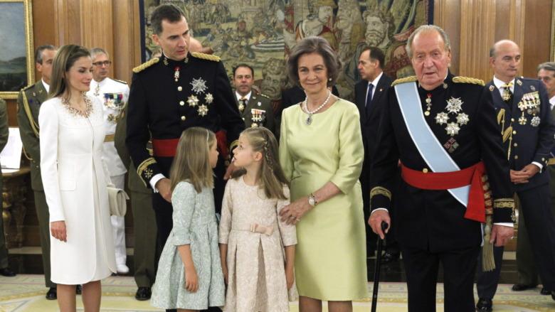 2014年にポーズをとるスペイン王室