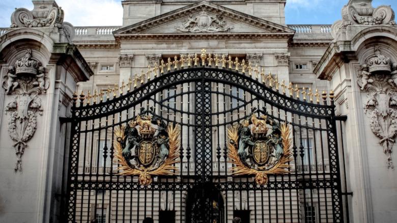 バッキンガム宮殿の門