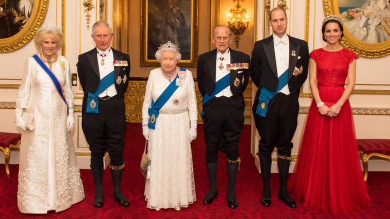 王室のイベントでのカミラパーカーボウルズ、チャールズ皇太子、エリザベス2世女王、フィリップ王子、ウィリアム王子、ケイトミドルトン