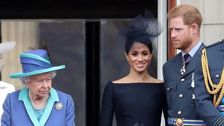 エリザベス女王、メーガンマークル、ハリー王子